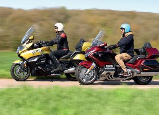 match-BMW-K1600-GRAND-AMERICA-VS-HONDA-GOLD-WING