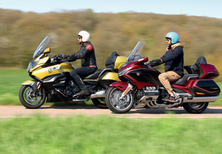 BMW K1600 GRAND AMERICA VS HONDA GOLD WING